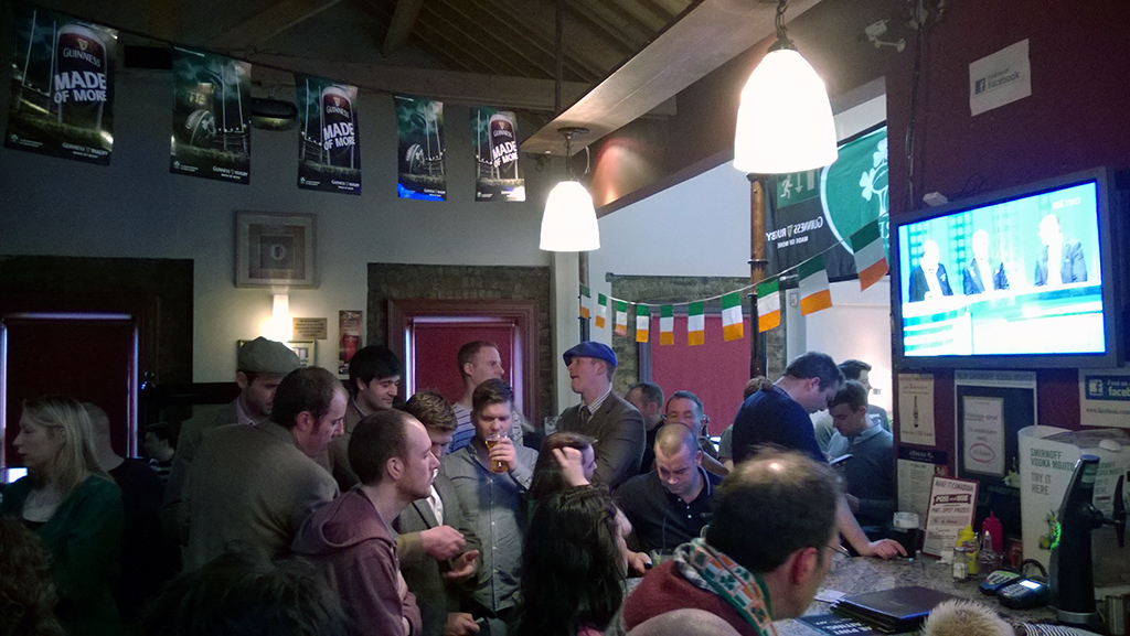 Six_Nations_Rugby_Game_In_The_Pub