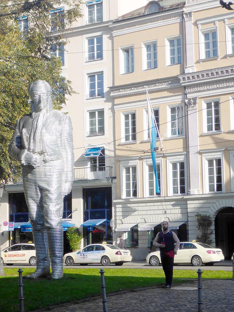 10_Munchen_statues