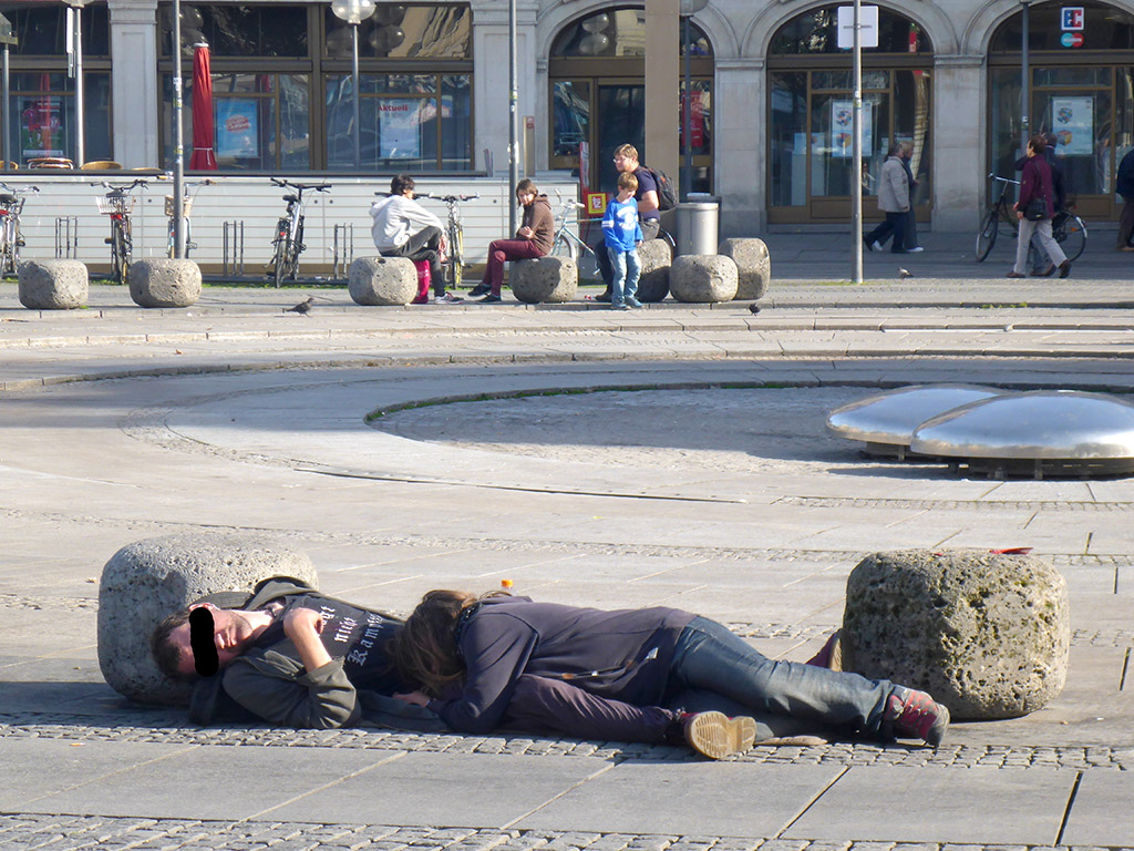 10_Sleeping_On_the_munchen_streets