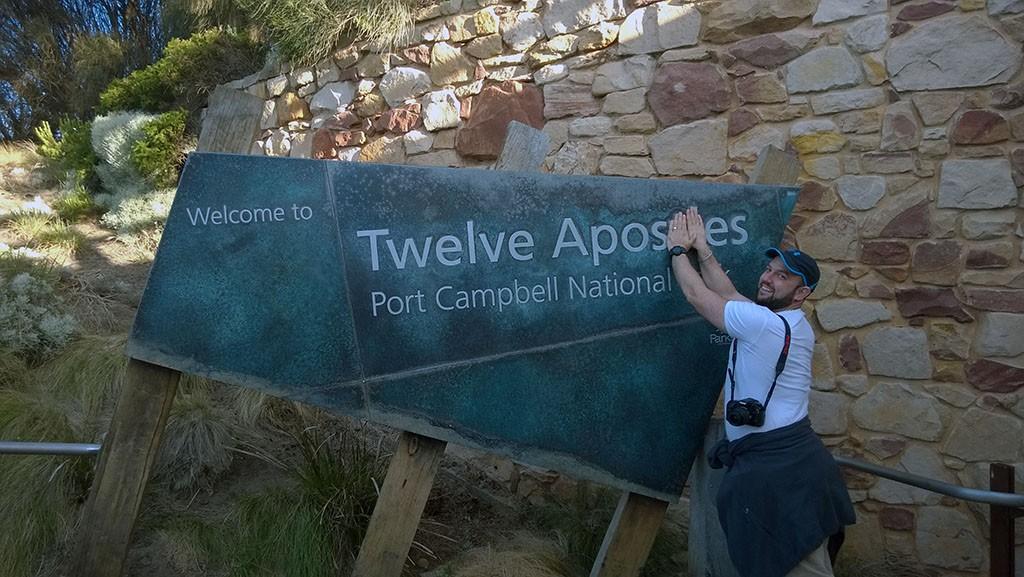 08_Twelve_Apostles_Table