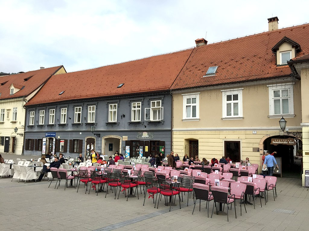 05_Samobor_Town_Square