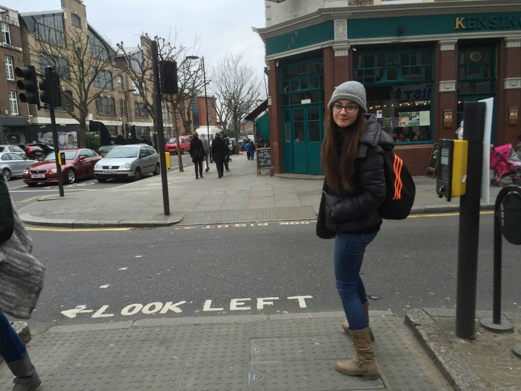 Dina_In_London