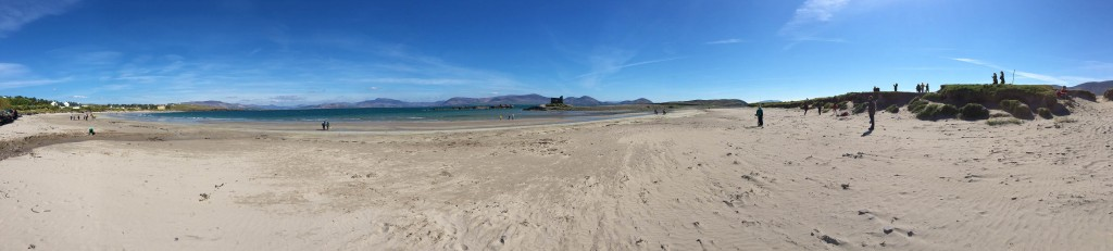 12_Beach_And_Ballinskelligs_Castle