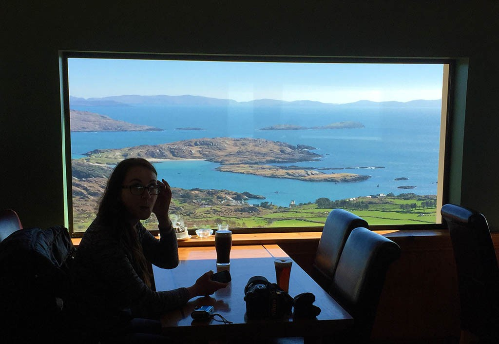 15_A_Pint_With_The_View_At_Ring_Of_Kerry