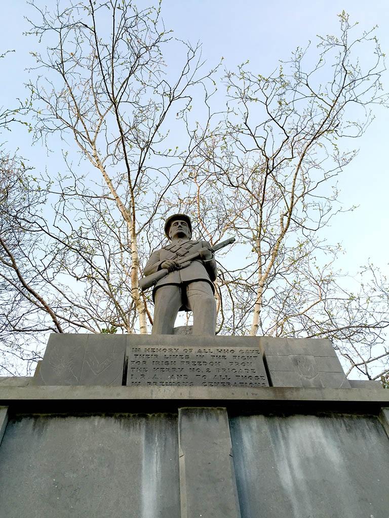 26_Killarney_Heroe_Statue