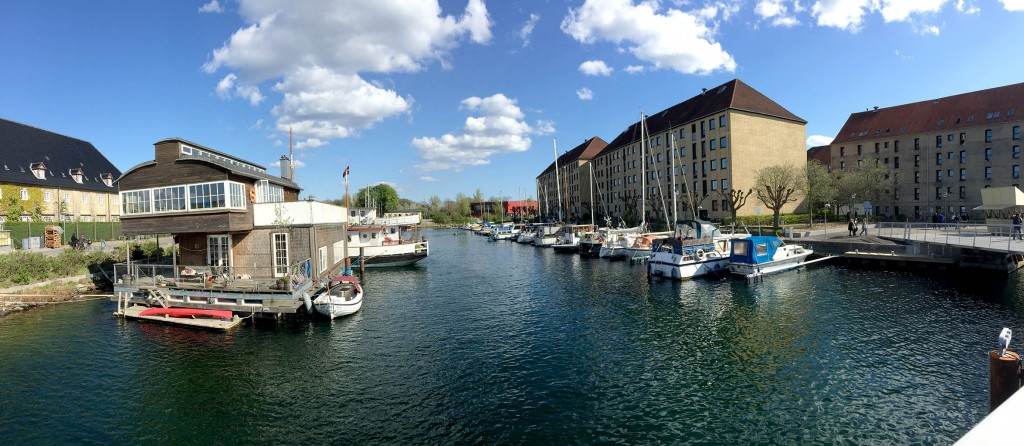 12_Copenhagen_Canals_And_River_houses