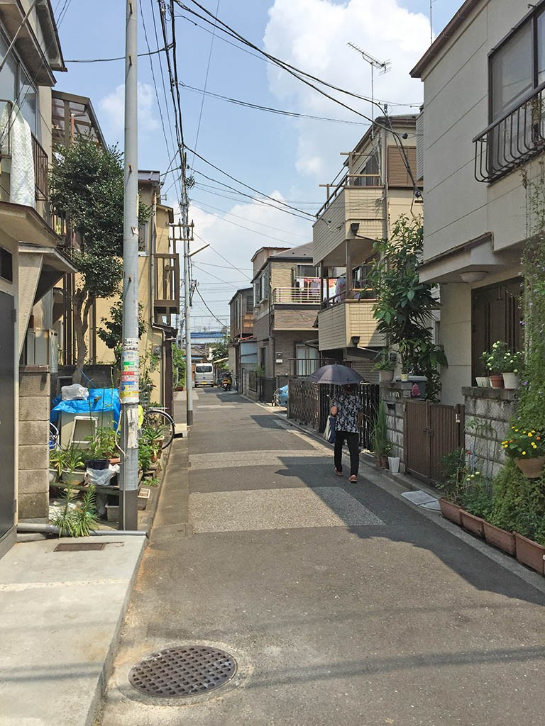 02-Narrow-Streets-In-Katsushika