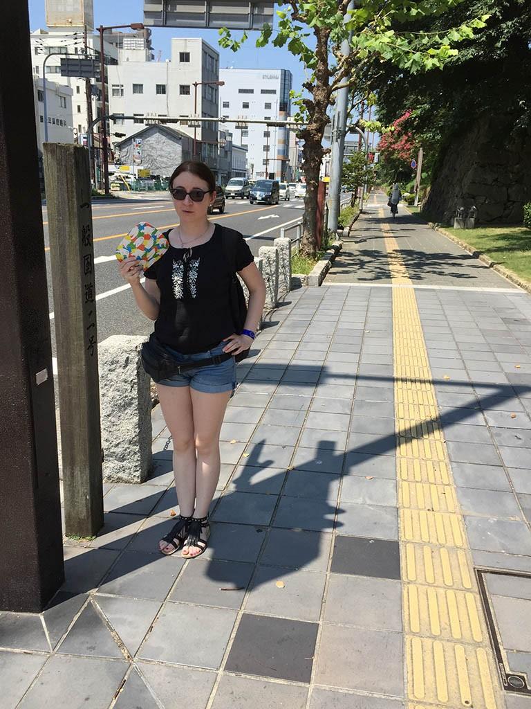 04-Looking-For-Shadow-In-Himeji