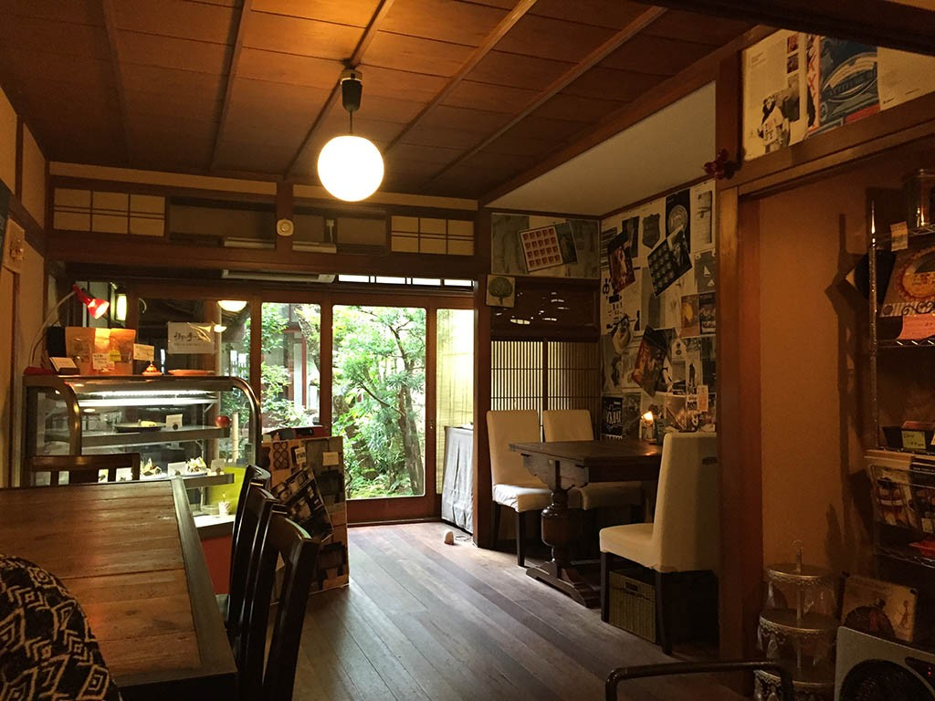 05-Breakfast-and-Coffee-In-Kyoto