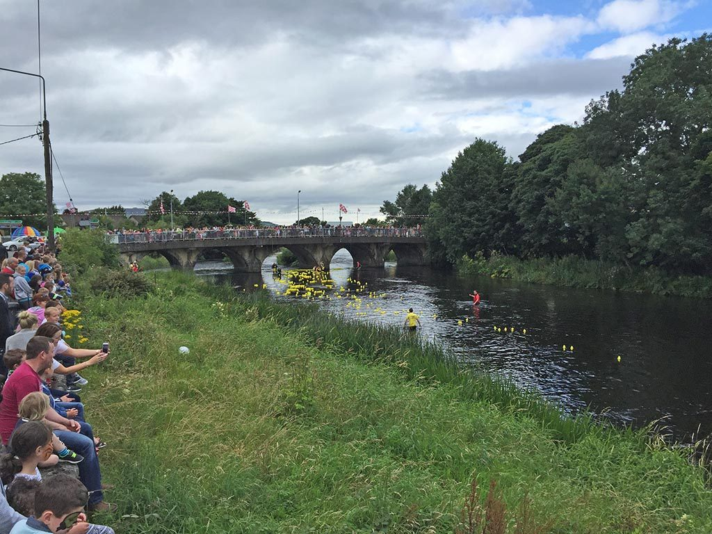 08-Duck-Race-In-Ballysadare-In-Sligo-Ireland